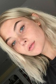 Many people believe that there is a magical formula for home decoration. You do things… Short Bleached Hair, Bleach Blonde Hair, Human Hair Color, Dream Hair, Hair Looks, Bob Hairstyles, New Hair, Hair And Nails, Hair Inspiration
