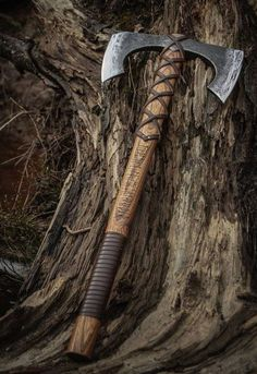 "An auction of double bit Norse Viking Battle axe ""Riverheart"" Viking Battle, Viking Axe, Battle Axe, Viking Warrior, Viking Sword, Espada Viking, Medieval Weapons, Norse Vikings, Fantasy Weapons"