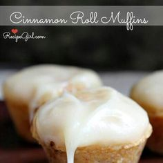 Cinamon Roll Muffin with Cream Cheese Frosting