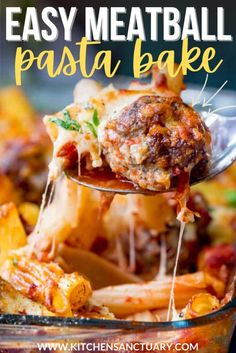 Juicy meatballs made with garlic, breadcrumbs, herbs, egg, and shallots are baked with delicious rigatoni pasta and ready to eat in 40 minutes! A great weeknight meal. #meatballs #pastabake #meatballbake #familymeal #beef #mincedbeef #groundbeef Pork Recipes For Dinner, Easy Pasta Recipes, Delicious Dinner Recipes, Beef Recipes, Pasta Meals, Noodle Recipes, Meatball Pasta Bake, Perfect Pasta Recipe, Amazing Food Videos