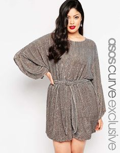 Discover women's plus size clothing with ASOS. Discover plus size fashion and shop ASOS Curve and Plus Size edit for the latest styles for curvy women. 70s Fashion, Curvy Fashion, Plus Size Dresses, Plus Size Outfits, 70s Mode, Plus Size Clothing Sale, Plus Size Kleidung, Curvy Dress, Plus Size Fashion For Women
