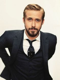 hot man in a hot suit. ryan gosling. yesss.