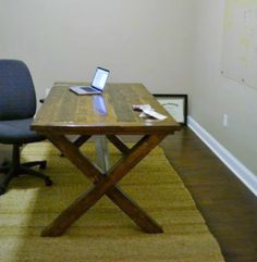 Free DIY Furniture Plans from The Design Confidential: Toscana Table