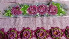 Toalha de rosto com pintura e barrado em flor de crochê... https://www.facebook.com/catiartesnapk2014