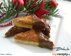 Ořechovo-medové trojhránky Baked Goods, French Toast, Beef, Cookies, Baking, Breakfast, Christmas, Recipes, Food