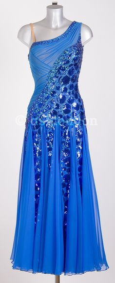 Natalie Gumede ocean blue ballroom dress. Amazing detail. Not so crazy about the skirt....