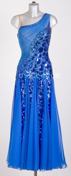 Natalie Gumede ocean blue ballroom dress. Amazing detail. Not so crazy about the skirt....