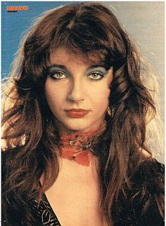 Kate Bush a true beauty Women Of Rock, Thing 1, Female Singers, 70s Singers, Record Producer, My Favorite Music, Musical, Music Artists, Beautiful People