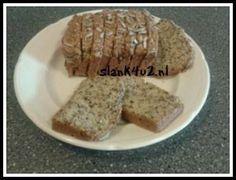Hier weer een lekker broodje uit de categorie zelfgemaakt koolhydraatarm brood. De meeste mensen hebben wel allerlei pitten en zaden in huis, als je alles moet gaan kopen is het vrij prijzig. Echter als je van plan bent om vaker zelf brood te maken, dan is de... #brood #glutenvrij #ketogeen