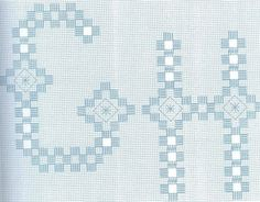 Alfabeto em Hardanger - ANA - Picasa Web Album (just one of a series) Chicken Scratch Embroidery, Drawn Thread, Hardanger Embroidery, Alphabet And Numbers, Bargello, Hand Sewing, Christmas Diy, Needlework, Diy And Crafts