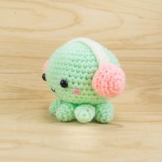 crochet octopus This headphone wearing octopus is looking for a music lover buddy! Handmade meticulously from start to end, this octopus is the ideal companion and gift for a music lov Octopus Crochet Pattern, Crochet Animal Patterns, Crochet Patterns Amigurumi, Stuffed Animal Patterns, Crochet Animals, Crochet Dolls, Christmas Crochet Patterns, Crochet Kawaii, Cute Crochet