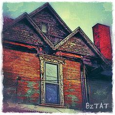 Once glorious now... #oldhouse #canton #blight #urbandecay #urbanlandscape #iphoneography #digitalart #bztatart
