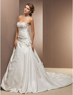 Wedding Dresses – The Latest Trends! Beach Style Wedding Dresses, Antique Wedding Dresses, Cheap Wedding Dresses Online, Classic Wedding Dress, Perfect Wedding Dress, Vintage Dresses, Ivory Wedding, Sparkle Wedding, Trendy Wedding