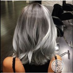 Transitioning from colored hair to silver grey hair - Color beige oscuro ...