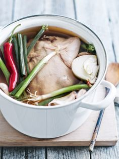 chicken master stock from donna hay magazine issue Best Chicken Wing Recipe, Chicken Wing Recipes, Chinese Cooking Wine, Asian Cooking, Chinese Honey Chicken, Chinese Chicken Stock Recipe, Thai Chicken, Orange Chicken, Chicken Meals