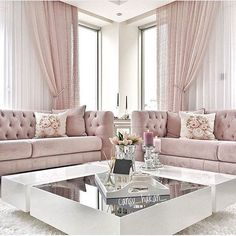 Las casas de lujo no existen solo en sueños o películas, Covet House le brinda estas ideas de diseño de interiores para decorar su sala de estar