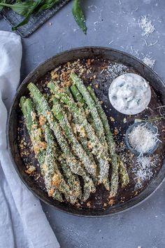 Parmesan-Knusperspargel mit Joghurt-Dip | Das Knusperstübchen | Bloglovin'