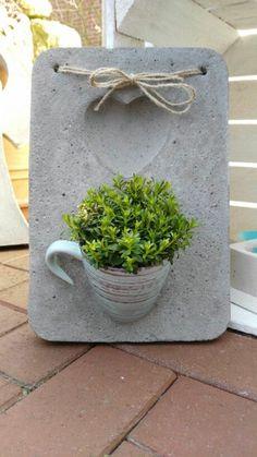 Relaxing Diy Concrete Garden Boxes Ideas For Ma - Diy Garden Box Ideas Cement Art, Concrete Crafts, Concrete Pots, Concrete Garden, Concrete Design, Concrete Planters, Concrete Wall, Diy Garden Decor, Garden Art