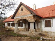 Balaton-felvidéki szerkezetkész parasztház Cottage Homes, Shed, House Design, Outdoor Structures, Cabin, House Styles, Group, Home Decor, Homemade Home Decor