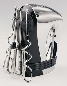 The Kenwood HM326 Hand Mixer http://kitchentechzone.com/kenwood-hm326-hand-mixer-review/