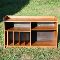 Eclectic Antique Art Deco to Retro Mid Century Modern Furniture & Home Furnishings inspired by Icon Designers. Danish Modern, Mid-century Modern, Modern Design, Record Shelf, Mid Century Modern Furniture, Home Furnishings, Teak, Shelving, Bookcase