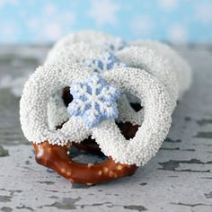 winter themed chocolate covered pretzels