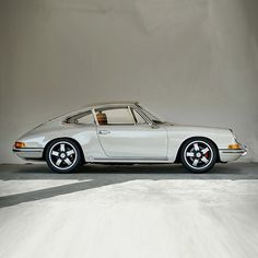 There are few curves more beautiful than the 1968 Porsche 912.