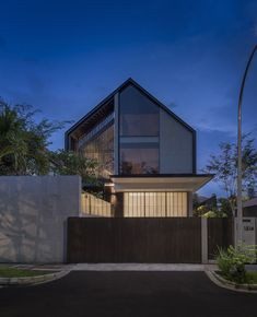 Gable House, House Roof, Facade House, House Outer Design, Unique House Design, Gable Roof Design, Facade Design, Roof Architecture, Dream House Exterior