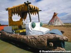 """TIL that there is a near-abandoned Flintstones-themed camp ground and amusement park in Arizona, about 30 minutes from the Grand Canyon, complete with year-round camping and a """"Bedrock Theater"""" that plays Flintstones cartoons : todayilearned Amusement Parks In Arizona, Abandoned Amusement Parks, Abandoned Places, Places In Usa, Places To Go, Yosemite National Park, National Parks, Roadside Attractions, Roadside Signs"""