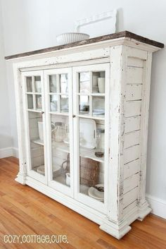 Crea un comedor shabby chic con estas ideas Armoire Shabby Chic, Shabby Chic Homes, Shabby Chic Furniture, Shabby Chic Decor, Rustic Decor, Country Furniture, Shabby Chic Tv Unit, Vintage Furniture, Shabby Chic Storage