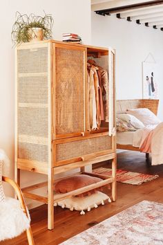 Stylish rattan furniture design should decorate your home 28 Related Rattan Furniture, Home Furniture, Furniture Design, Furniture Ideas, Barbie Furniture, Garden Furniture, Vintage Furniture, Rustic Furniture, Business Furniture