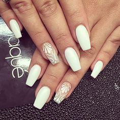 CoCo nails #Laque #laquenailbar #getlaqued