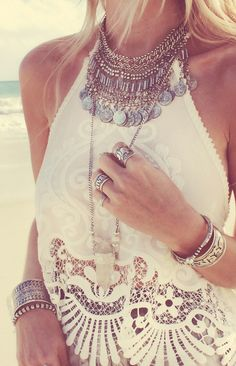 Lovin' the lace top and jewelry