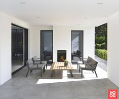 Borek calcara lounger met reflex parasol outdoor collectie 2016