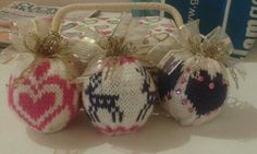 Christmas balls knit by Vania, my sister