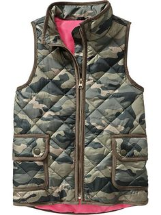 Girl's Camo Vest * So fun and a great gift for a little sister, tween daughter or niece. #OldNavy #holidaygiftguide