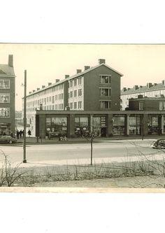1960. Burgermeester de Vlugtlaan. Vaak gelopen met mijn moeder. Richting Plein 40-45.