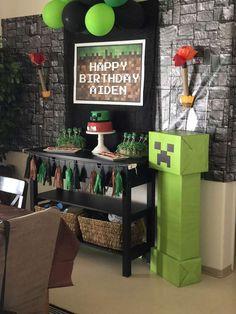 Aiden's Minecraft party Diy Minecraft Birthday Party, Minecraft Party Decorations, 9th Birthday Parties, Birthday Party Decorations, 10th Birthday, Minecraft Party Ideas, Fete Laurent, Diy Party, Party Favors