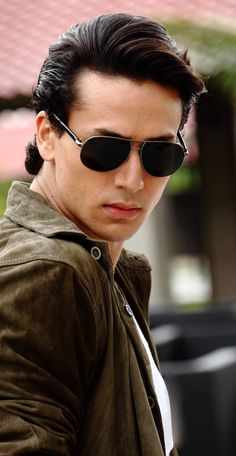 Tiger Shroff to release music video dedicated to Michael Jackson,Tiger Shroff, Michael Jackson, Actor, Bollywood Aaina Tiger Shroff Body, Indian Bodybuilder, India Actor, Sr K, Actor Picture, Actors Images, Disha Patani, Poses For Men, Bollywood Stars