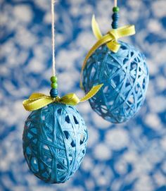 Kevyisiin narupalloihin tarvitset vesi-ilmapalloja, liisteriä ja paperinarua. Diy And Crafts, Crafts For Kids, Dark Winter, Spring Time, Party Planning, Diy Home Decor, Easter, Christmas Ornaments, Holiday Decor