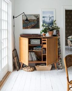 Scandinavian style interior and decor, vintage flea market find, cabinet, industrial lamp Sofia / Mokkasin's home – Households Source by sharvey Furniture, Home Decor Inspiration, Interior, Eclectic Home, Scandinavian Home, Home Decor, House Interior, Retro Home, Beautiful Living Rooms