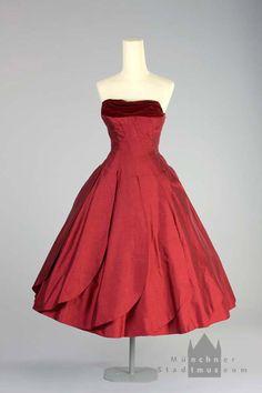 Cocktail dress | Werner Wunderlich | Germany; Munich | 1954-1955 | silk, cotton | Munich City Museum | Inventory #: T-91/117