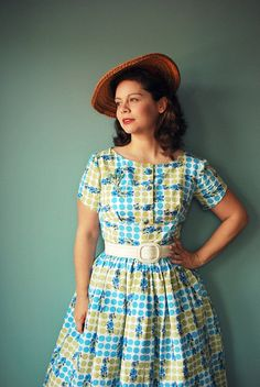 """Butterick 9265 The """"Button Foot is Back"""" Dress 
