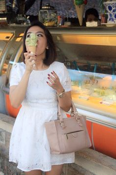 Haahaha... Dress putih favorit di siang bolong buat nge Gelato   Dress #Mimosa  Tas #Zara