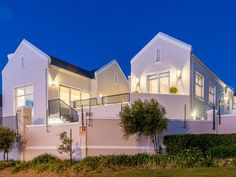 5 Bedroom House For Sale in Somerset West