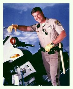 Jon Baker. Larry Wilcox, Childhood Tv Shows, 70s Tv Shows, Cop Show, Hot Cops, 80s Tv, Men In Uniform, Vintage Tv, Anne Of Green Gables