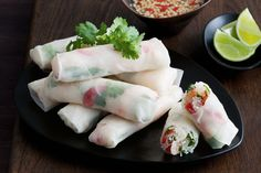 Now is the time to make something new - so try these fresh Vietnamese rice paper rolls!