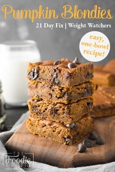 These healthy Pumpkin Blondies are packed with fall flavor and are a kid-friendly favorite! Plus they're 21 Day Fix and WW friendly! #pumpkin #fall #autumn #fallfood #healthy #healthytreat #21dayfix #weightwatchers #ww #UPF #healthydessert #halloween #thanksgiving #bakesale Healthy Pumpkin, 21 Day Fix, Bake Sale, Kid Friendly Meals, Healthy Treats, Blondies, Fall Recipes, Thanksgiving, Banana