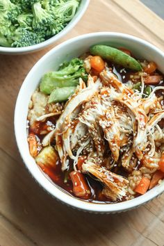 Tangy and flavorful, this Instant Pot teriyaki chicken bowls have it all! They can be put together in minutes and are a hit with the family! Teriyaki Chicken Bowl Recipe, Teriyaki Bowl, Chicken Recipes, Chicken Meals, Chicken Bacon, Boneless Chicken, Garlic Chicken, Creamy Chicken, Buffalo Chicken