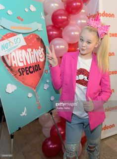 Dancer/Actress JoJo Siwa attends Nickelodeon's Not So Valentine's Special on February 6, 2017 in Los Angeles, California.